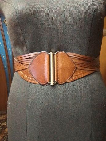 Женский кожаный ремень фирмы ATTIZZAR