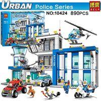 Конструктор Bela 10424 «Полицейский участок» 890 деталей