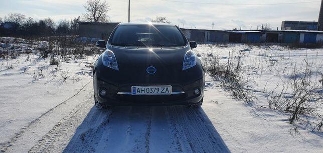 ДВЕ БАТАРЕИИ 250 КМ) Nissan leaf электромобиль ниссан лиф.  не  Volt.