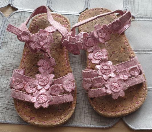 Sandałki firmy Next
