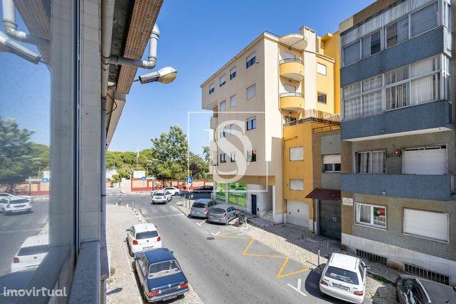 Apartamento T1 em Almada