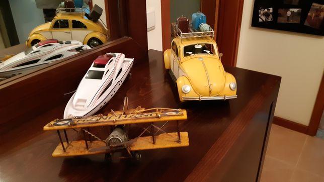 Brinquedos antigos em chapa