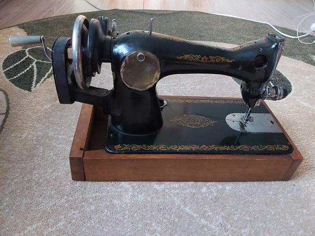 Швейна машинка радянська