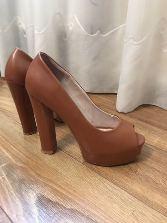 Продам хороші модні туфлі)