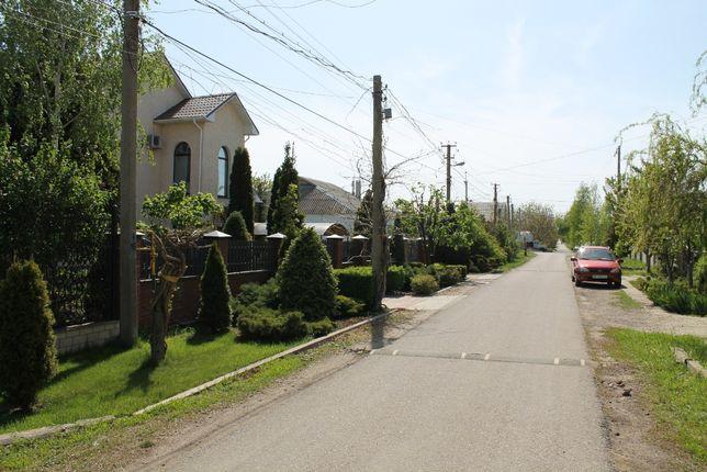Срочно продам участок в Фонтанке в центре села 10 соток