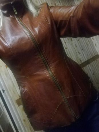 Куртка весенняя кожаная,42 размер