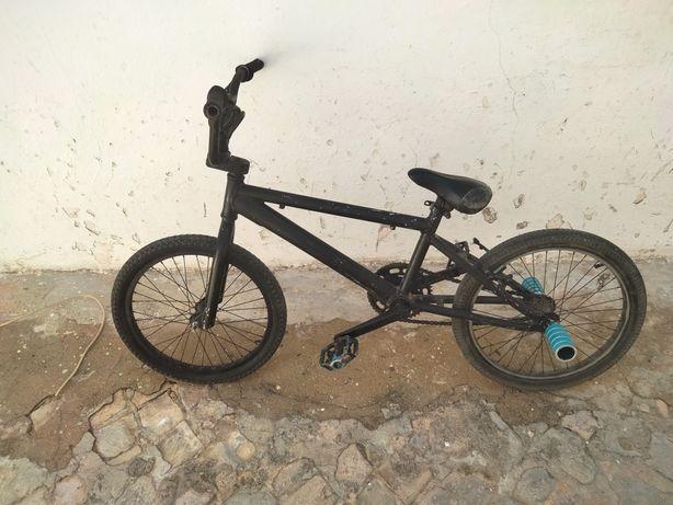 BMX com patins bike
