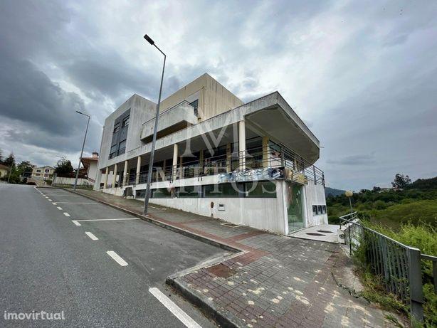 Loja para restauração à venda em Ponte da Barca