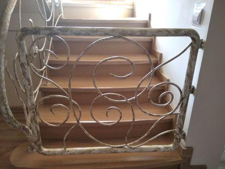 Barierka bramka na schody