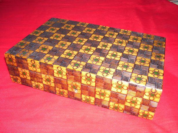 PRL - szkatułka - drewno