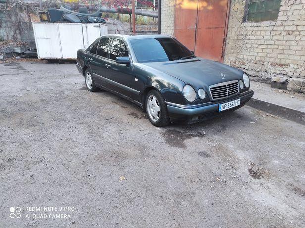 Mercedes-Benz w210  e280