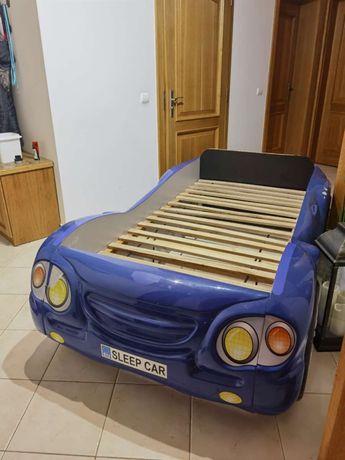 Łóżko w kształcie auta