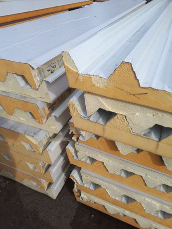 Płyta dachowa warstwowa blacha tapezowa strop izolacja ocieplenie