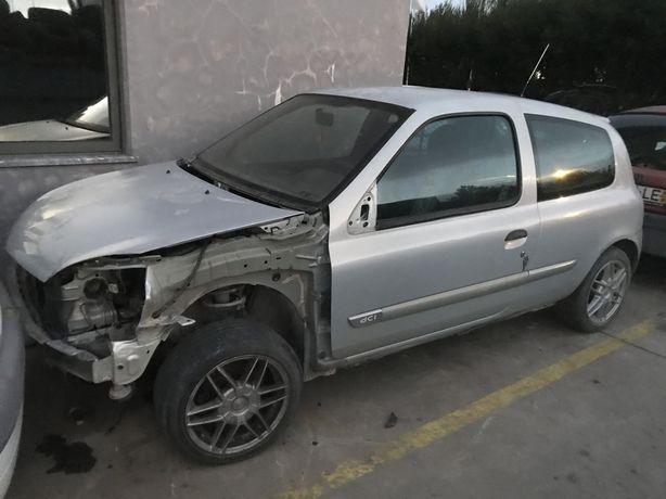 Renault clio 15D para peças