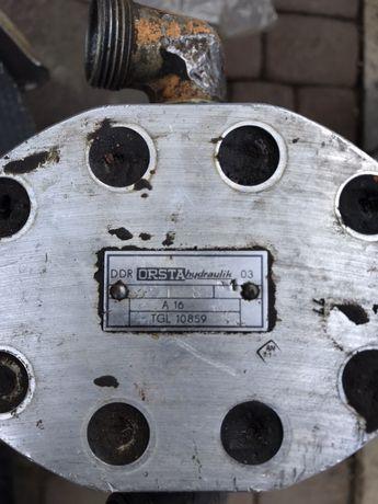 Масляний насос DDR orsta hydraulik tgl 10859