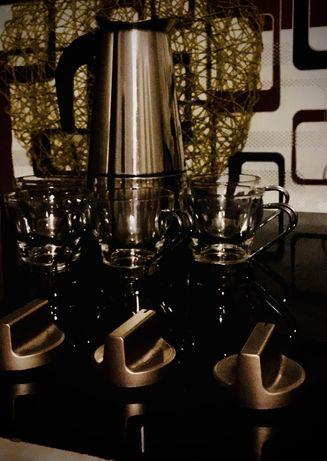 Набір кавоварка з чашками