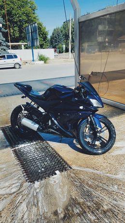 Yamaha yzf 125 /duke cbr r1