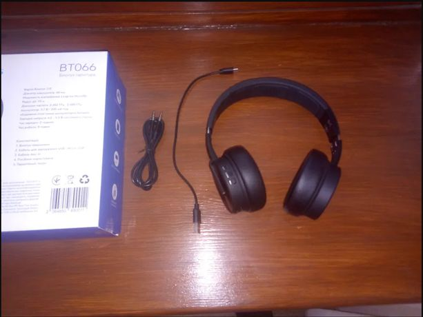 Наушники гарнитура bluetooth Bravis BT066