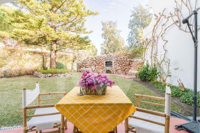 Moradia T5 com jardim e barbecue em Vilamoura