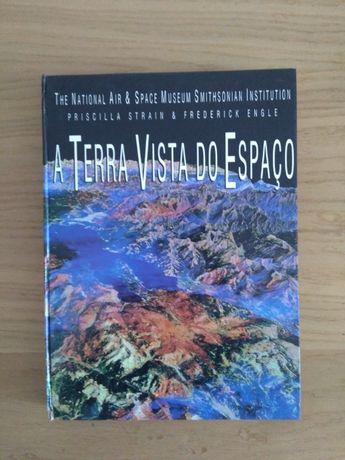 """Livro """"A Terra vista do espaço"""""""