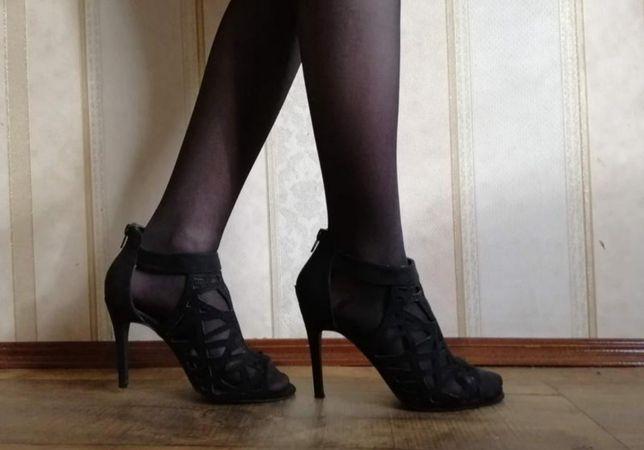Босоножки фирменные New look 38 размер 24,3 см