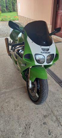 Kawasaki zx7r 750