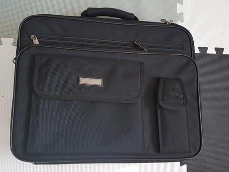 Czarna torba neseser pokrowiec na laptopa duża