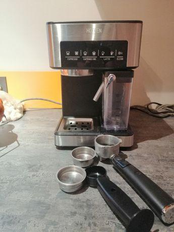 Ekspres do kawy ze spieniaczem mleka