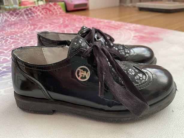 Туфельки для девочки в школу 28р, 17-18см