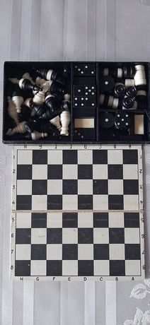 Дорожный набор шашки,шахматы.