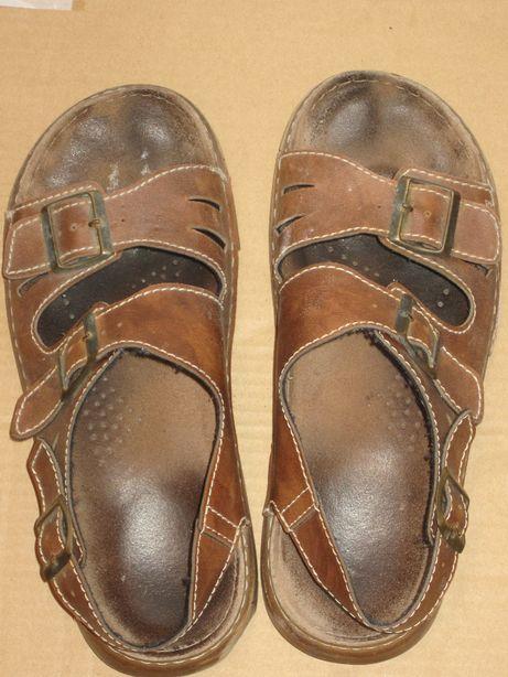 Sandały męskie w rozmiarze 43