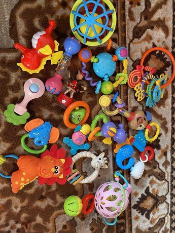 Іграшки від 1 місяця до 2х років