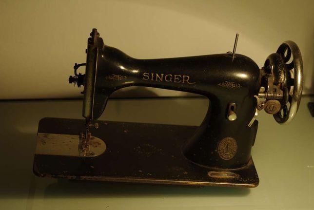 stara, zabytkowa maszyna do szycia Singer