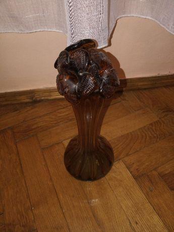 Хрустальна ваза з квітами