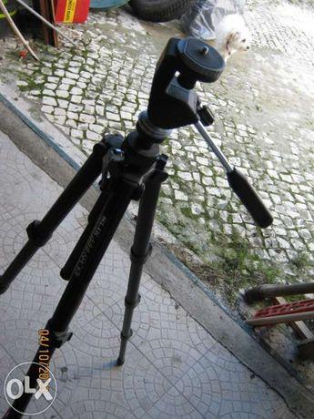 Tripé para câmara de vídeo ou fotográfica