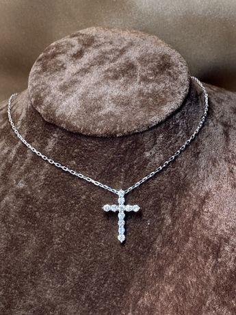 Золотой крестик с бриллиантами на цепочке
