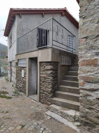 Casas rústicas no Azibo