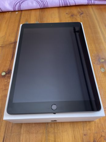 "iPad 7th 10.2"" 32gb. Garantia até 20/12/2021"