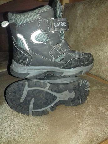 Зимові черевички на хлопчика