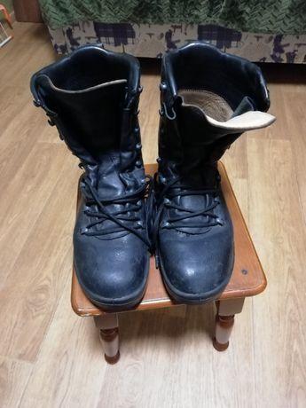 Ботинки Берці бундесвер шкіра чорні та 4 пари шкарпеток в компл