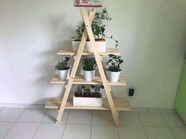 Piękny stojak drewniany