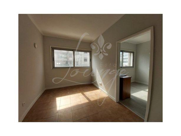 Arrenda-se Apartamento T1 Remodelado - Centro Porto, Junt...