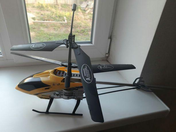 Вертолет на пульте