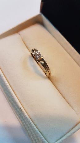 Złoty pierścionek 1,3 g próba 585