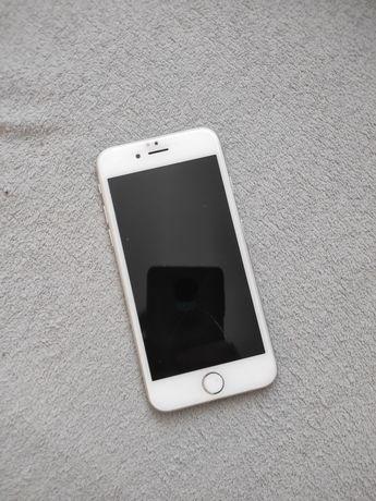 Uszkodzony iPhone 7