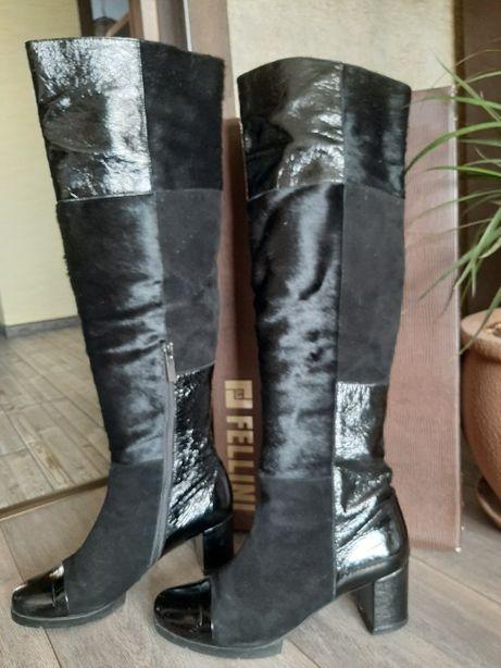 Ботфорты женские кожаные марки FELLINI, размер 40.