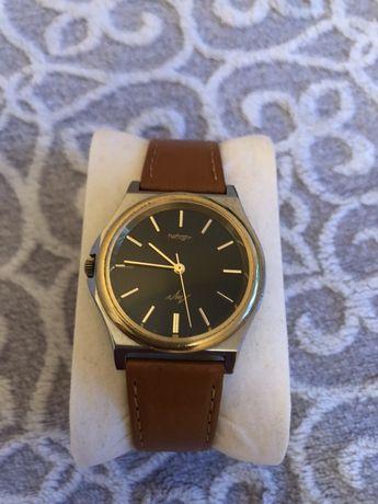 Kwarcowy zegarek brązowy pasek
