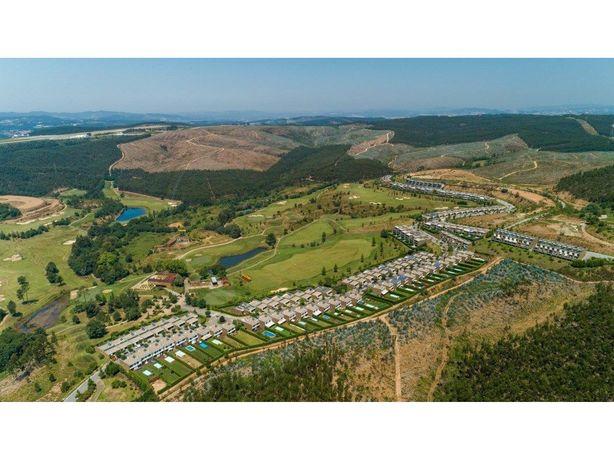 Moradia T4 + 1 como Nova Resort Nature Golf Vale Pisão