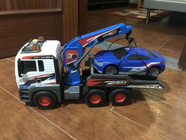 Camião com atrelado e carro brinquedo