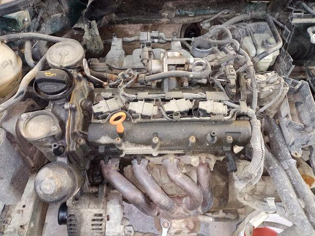 Wałek rozrządu  pokrywa górna VW 1,4 fsi benzyna